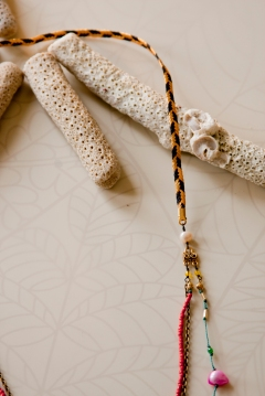 noma_tropical_flow_necklace025_detail02_web_2011